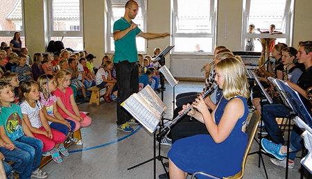 """TGG Leer: """"Gymnasiasten musizierten für Kinder"""" (OZ vom 14 ..."""